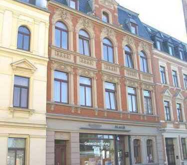 3-Raum-Wohnung im Herzen von Oelsnitz, frisch renoviert & vermietet, Bad mit Wanne, Abstellraum