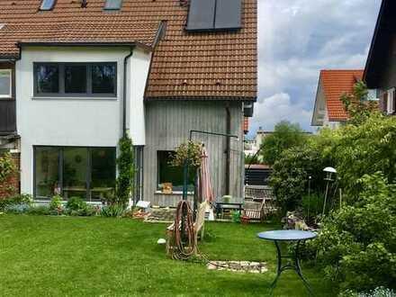 Modernisierte 5-Zimmer-Doppelhaushälfte mit Einbauküche in Haubenschloß, Kempten (Allgäu)