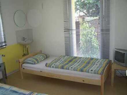 Zimmer (Preis ab 450€/mtl. und ab 25€ tgl., incl.Nk, wöchentl.Reinig., Bettwäsche)