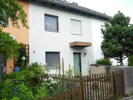 Freundliches und gepflegtes 4-Zimmer-Reihenhaus zur Miete in Oberasbach, Oberasbach