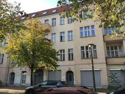 Provisionsfreie helle ruhige 3 Zimmer Altbauwohnung im schönen Johannisthal