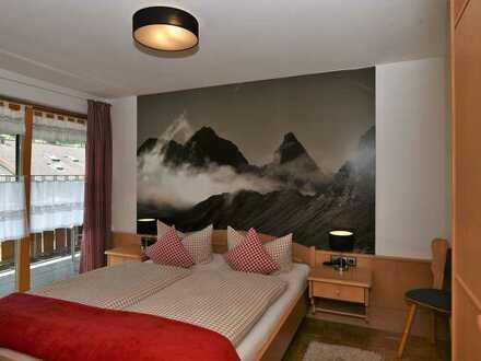 Ein Landhaus für viele Ideen und Möglichkeiten mit Bergblick