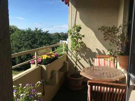 Schöne, sonnige 3-Zi.-Wohnung in gepflegtem und ruhigen Mehrfamilienhaus in Nbg.-Mögeldorf