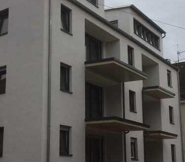 !!!Traitteur Immobilien- großzügige 2 Zimmer Wohnung mit allen erdenklichen Extras-!!! 