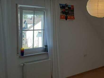 Freundliche 5-Zimmer-Doppelhaushälfte mit Einbauküche in Au in der Hallertau, Au in der Hallertau