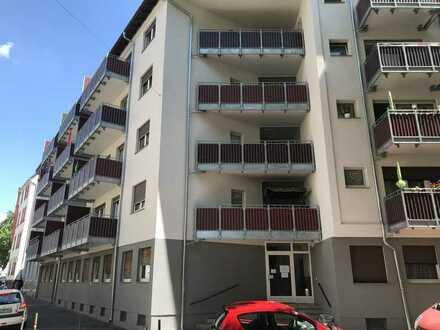 Ansprechende & gepflegte 1 Zimmer Dachgeschosswohnung in Mannheim - Rheinau