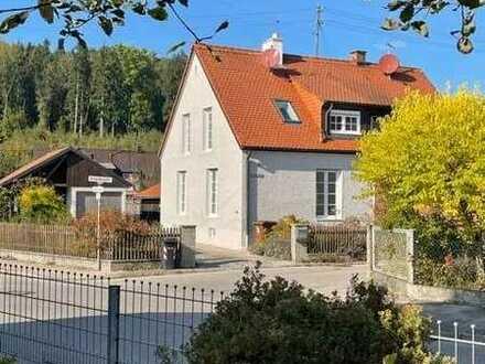 Erstbezug nach Luxus-Sanierung: schöne Doppelhaushälfte in Bobingen Siedlung für 2 Personen