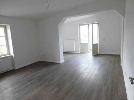 Bild_ERSTBEZUG NACH SANIERUNG! Traumhafte 3-Zimmer-Wohnung mit Balkon und Fahrstuhl in zentraler Lage