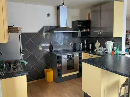 Gepflegte 2-Zimmer-DG-Wohnung mit EBK in Horhausen (Westerwald)