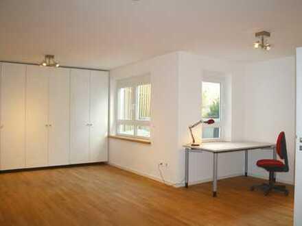 Schönes teilmöbliertes WG-Zimmer in GRÄFELFING *Privates Bad, mit Garten, Terrasse, in ruhiger Lage*