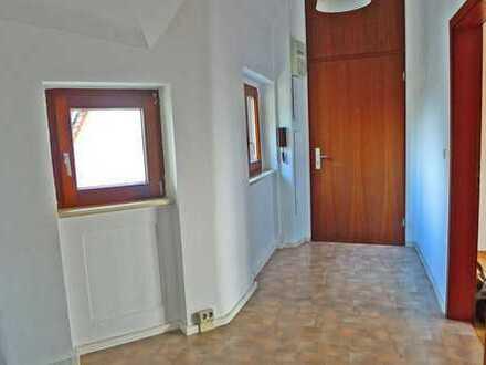 2913 - Helle 2 Zimmerwohnung im Altbau Nähe KIT!