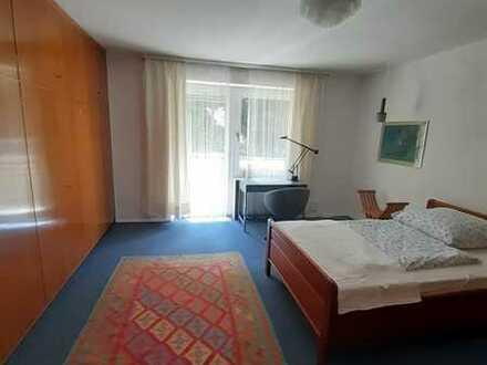 2er WG Neugründung: Zimmer in einem freistehenden Einfamilienhaus beim Wittelsbacher Park mit Garten