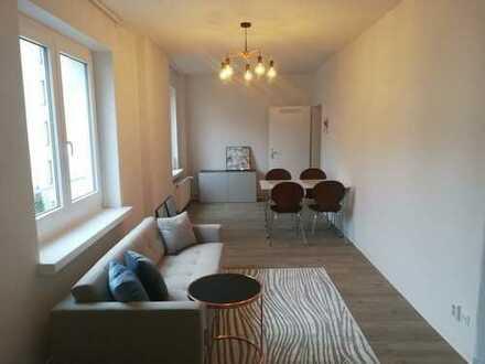 *** PROVISIONSFREIE Helle 2 Zim. Wohnung,neu saniert inkl.neuer Küche