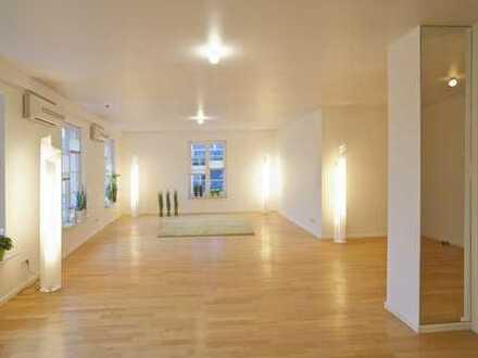 Luxuswohnung mitten in Kettwiger Altstadt 4-Raum offene Einbauküche, Balkon!