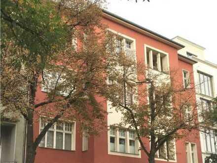 Großzügige Teilmöblierte 4-Zimmer-Wohnung - auch WG-geeignet