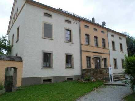Vollständig renovierte Wohnung mit vier Zimmern und Balkon in Doberschau- Gaußig