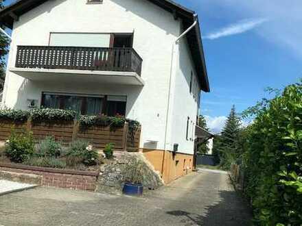 Schöne naturnahe 3-Zimmer-Wohnung, 87 qm, mit Balkon, Garage und Garten von Privat