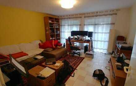 Schöne 2-Zimmer-EG-Wohnung mit Balkon und EBK in Engelstadt