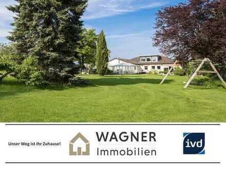 So geht großzügiges Wohnen: Bungalow mit parkähnlichem Grundstück in Offenheim