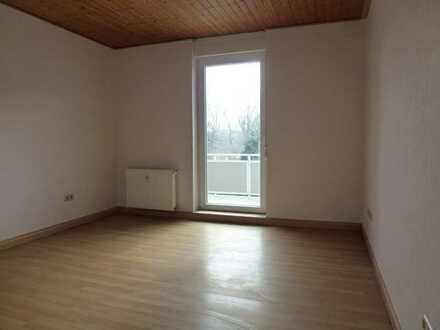 Schöne 2 Zimmerwohnung, Küche, Diele, Duschbad (05)