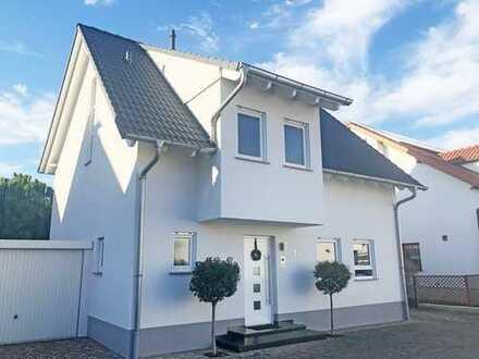 Ankommen und Einziehen! Modernes Einfamilienhaus in bester Lage!