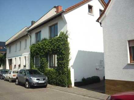 Ansprechendes 4-Zimmer-Haus in Stadecken-Elsheim, Stadecken-Elsheim