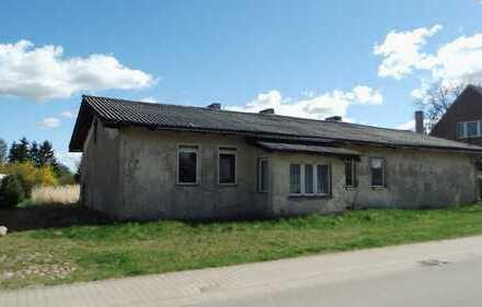 Arbeit, die sich lohnen kann! Sanierungsbedürftiges Gebäude in der Dorfmitte!!!