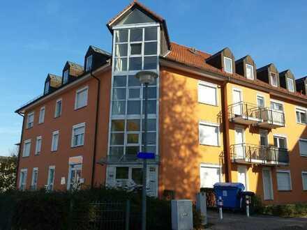 Zu Fuß zur Uni! 1-RW mit Balkon und kleiner Einbauküche (Pantry-Küche)