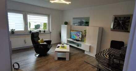 Für Pendler voll möblierte, exklusive, vollständig renovierte 1,5-Zimmer-Wohnung mit EBK in Tamm