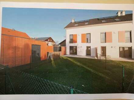 Schönes Reiheneck-Haus mit fünf Zimmern in Ostallgäu (Kreis), Aitrang
