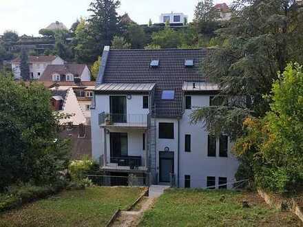 4 Zimmer Wohnung zentrumsnah, neuwertig, hell und modern mit Balkon, in einem Energieeffizienz Haus