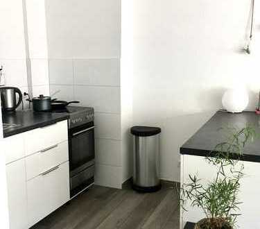 Geräumige 2-Zimmer-Wohnung möbliert zur Zwischenmiete in Ehrenfeld, Köln