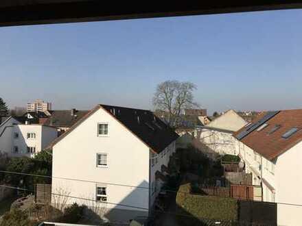 3 Zimmer Wohnung mit Balkon, in zentraler Lage von Gross-Gerau Stadt