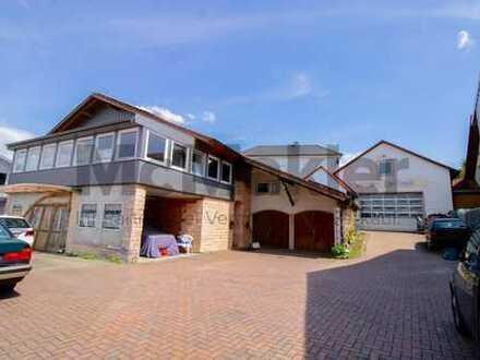 Unter einem Dach: Großes ZFH mit angebauter Werkstatt und Photovoltaikanlage