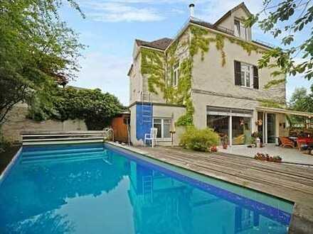 E & Co. - Zentrum von GLONN. Sehr charmante Gründerzeit-Villa mit Schwimmbad.