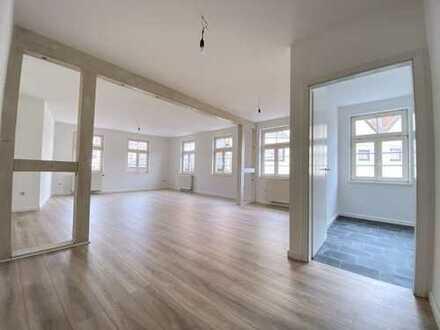 Geräumige, neu renovierte 2,5-Zimmer-Wohnung im Zentrum Gernsbach