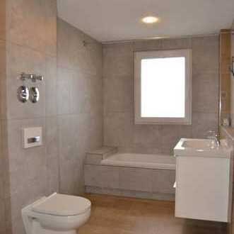 Luxuswohnung mit Balkon: stilvolle 2,5-Zimmer-Wohnung in Hemmingen (Kreis Ludwigsburg)