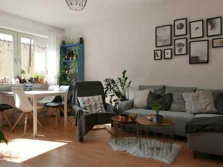 Gepflegte 2-Zimmer-Wohnung mit Einbauküche mitten im Zentrum Heidelbergs