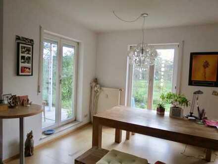Helle 2-Zimmer-Wohnung mit Terrasse und Gartenanteil im Bodenseekreis