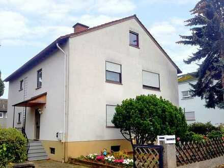 Großzügiges Zweifamilienhaus in toller Wohnlage von Landau- Mörzheim