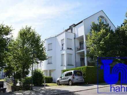 Zur Kapitalanlage: vermietete 1-Zimmer-Dachgeschosswohnung in schöner Wohnlage von Pliezhausen