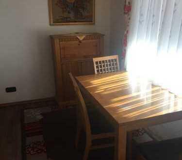 Gepflegte 1-Zimmer-Wohnung mit Balkon und EBK in Neuweler, voll möbiliert