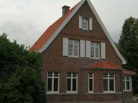 Denkmalgeschütztes Einfamilienhaus in Top-Lage in Rastede zu vermieten