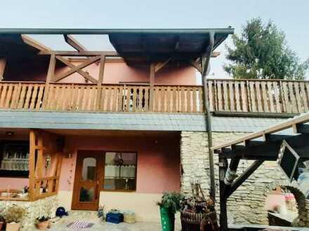Attraktive 5-Zimmer Wohnung zum Kauf in Bischheim inkl. Balkon, Garten, EBK und Garage