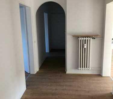 frisch renovierte 4 Zimmer Wohnung zu vermieten