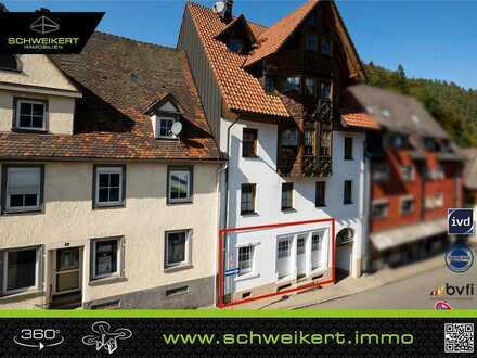 Erdgeschosswohnung in einem Gebäude mit Triberger Charme