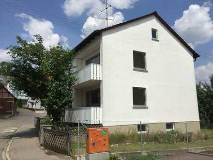 Erstbezug nach Sanierung: attraktive 3-Zimmer-EG-Wohnung mit Balkon und großem Garten in Elchingen