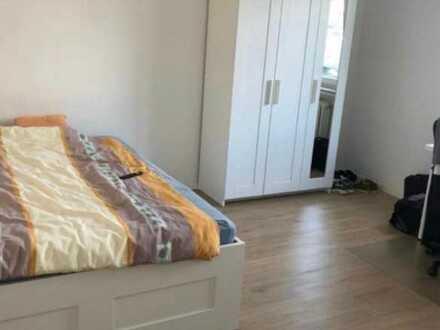 Saniertes vollausgestattetes all inclusive WG-Zimmer (17,3 qm) am Goldberg, Sindelfingen (1,3 Km zum