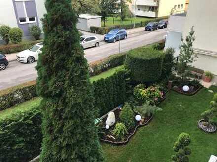 Kapitalanleger aufgepasst: Schön geschittene 2-Zimmer-Wohnung mit Balkon und Tiefgarage in München-G