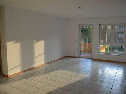 Gepflegte 3-Zimmer-Wohnung mit Balkon und EBK in Bergheim